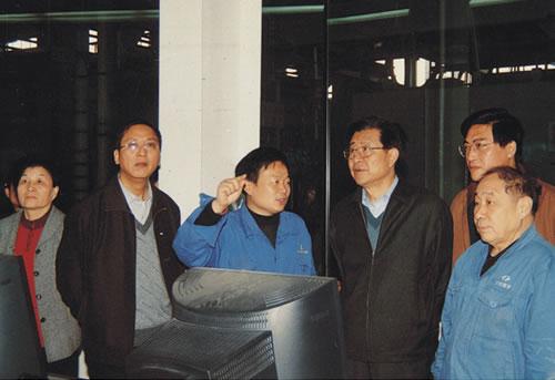 中共贝博手机登录市委副书记殷增涛到公司考察