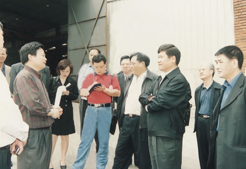 时任武汉市市长,湖北省常务副省长李宪生到公司指导工作